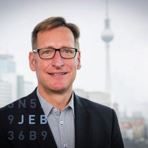 Dr. Jan-Erik Becker - unser Experte fürs CRM-System